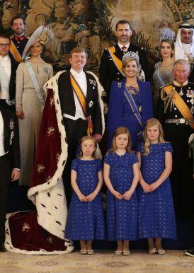 AMSTERDAM - Koningin Beatrix ondertekent de akte van Abdicatie in het Paleis op de Dam ANP JERRY LAMPEN
