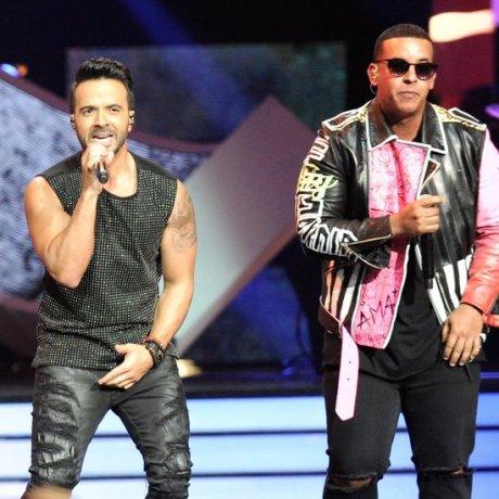 Luis-Fonsi-Daddy-Yankee-Performing-Despacito-Video